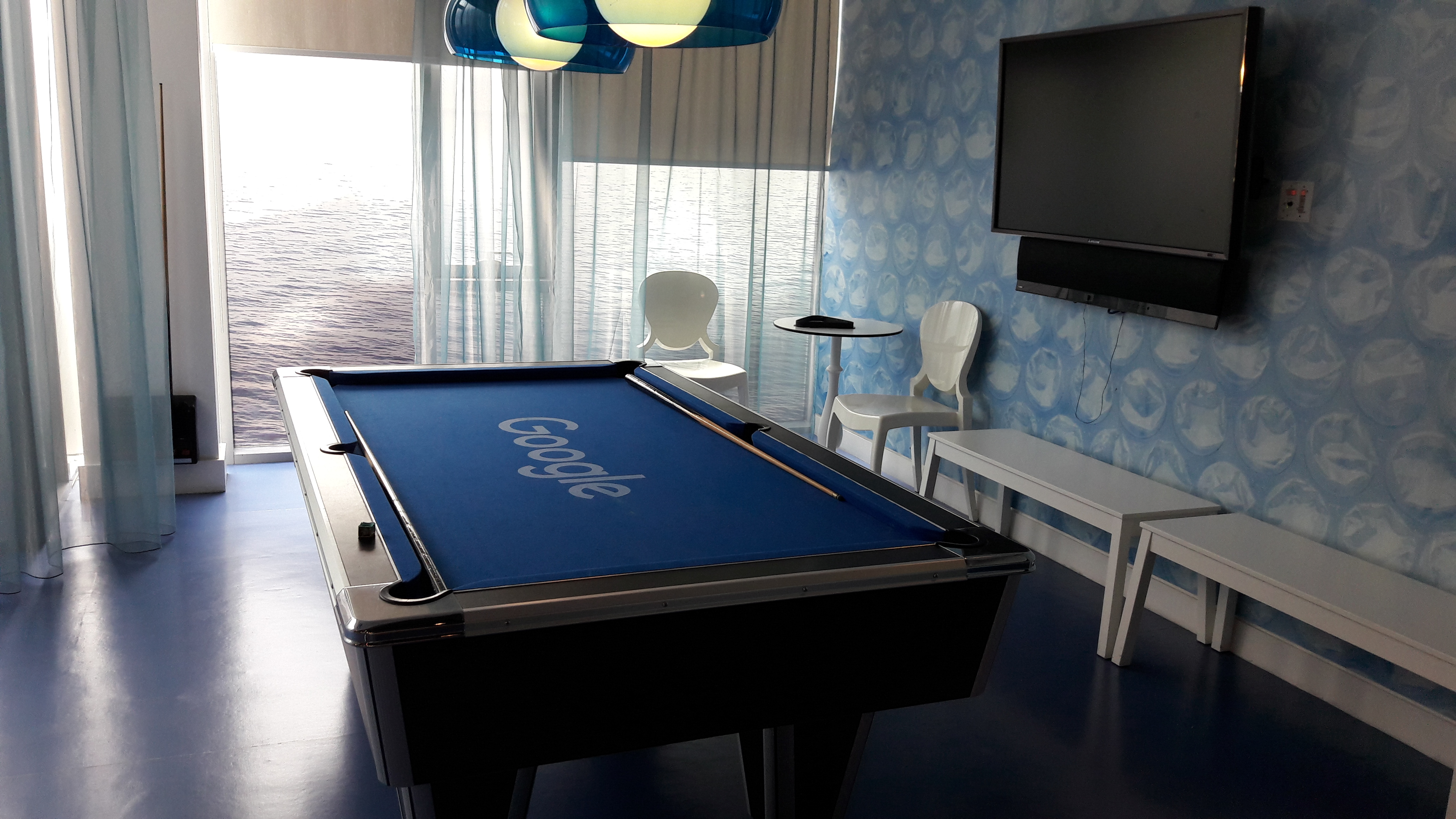 Google Billiardtisch
